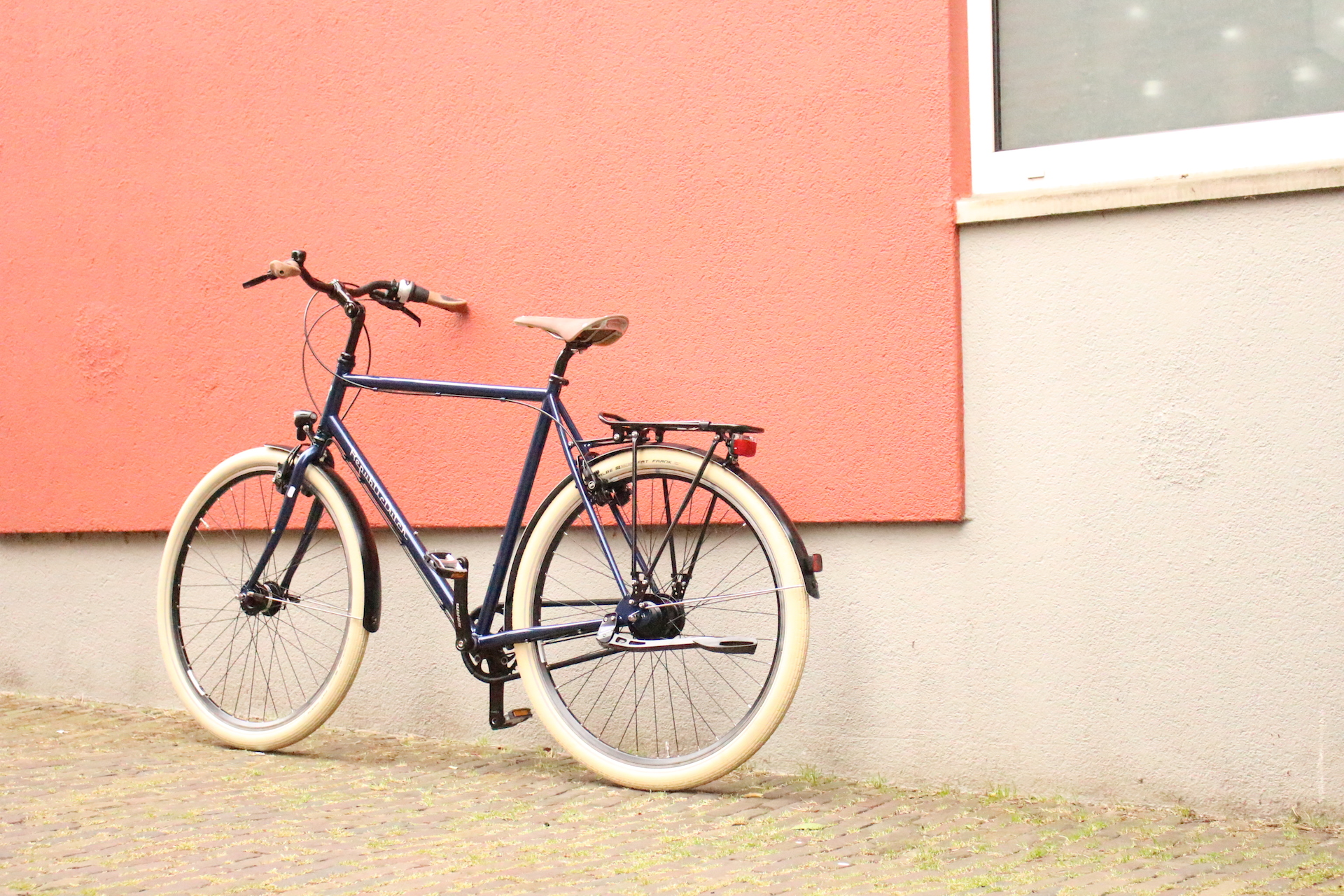 hybrid bicycle, low maintenance