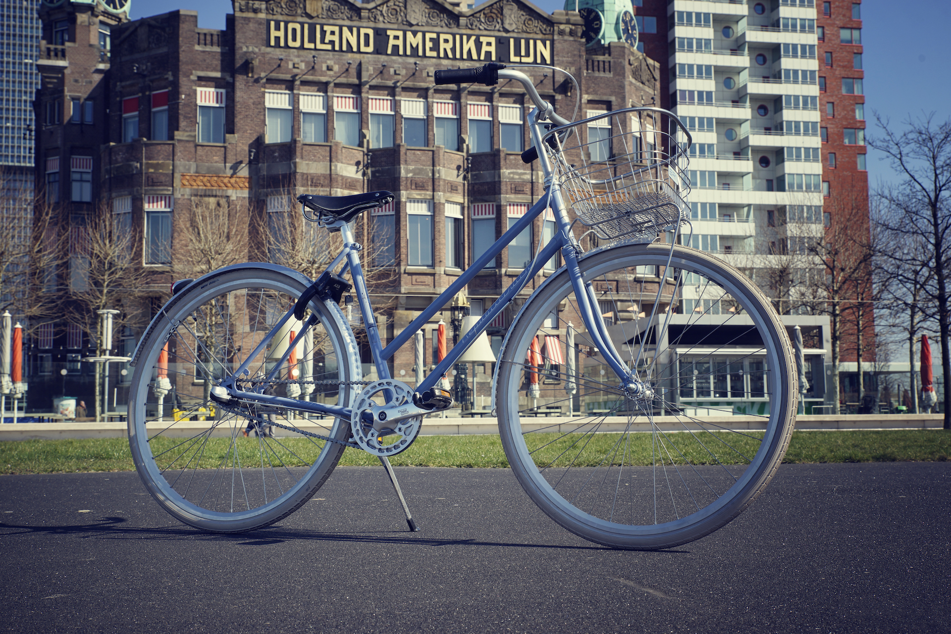 Lady bicycle in Rotterdam | build in the Netherlands | Holland Amerika Lijn